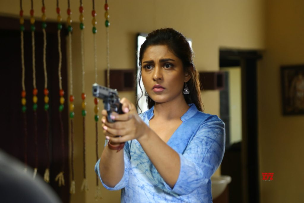 Expiry Date/ Zee5/ Review