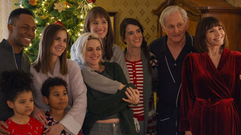 Happiest Season Review: Christmas with Wasted Potential