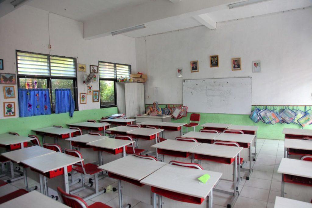 Students4 LB