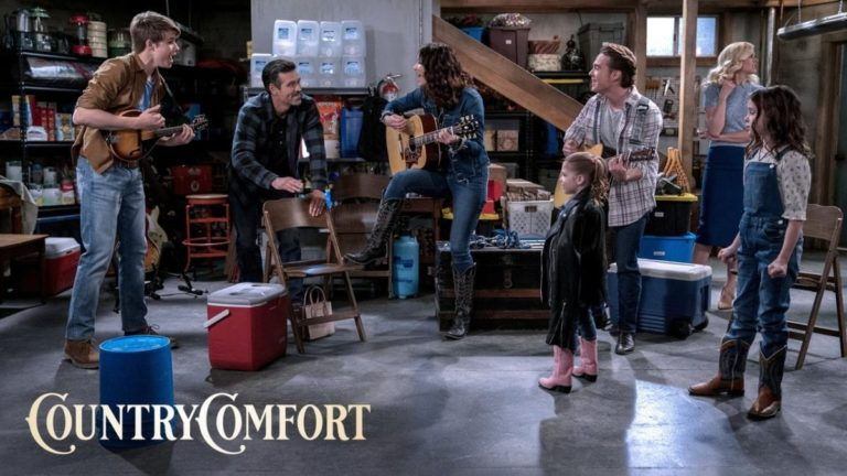 Netflix's Country Comfort Review: A Warm and Comforting Family Sitcom