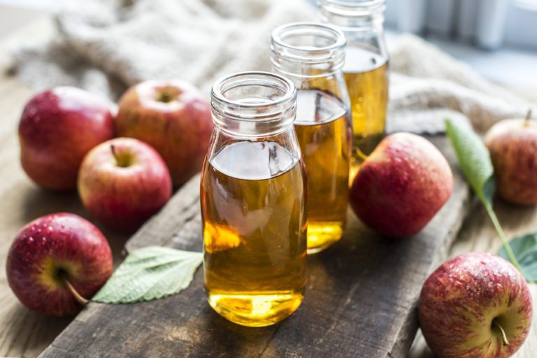 5 Amazing Benefits of Including Apple Cider Vinegar into Your Diet
